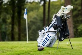 Duke Golf bag on green